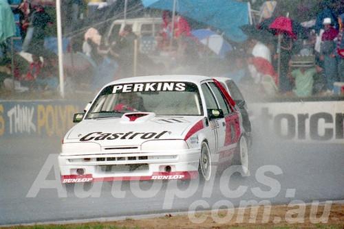 88128 - Larry Perkins, Commodore VL - Wanneroo May 1988 - Photographer Tony Burton