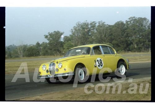 81-OPC3581-022   Lynn Brown, Jaguar 3.8