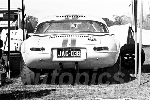 66114- Bob Jane Light Weight E Type Jaguar - Warwick Farm 1966 - Photographer Lance Ruting