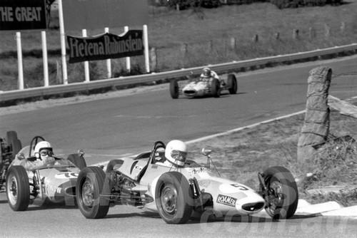 73294 - Max McGinley & David Groves Standfast Vee  - Bathurst Easter 1973 - Photographer Lance Ruting