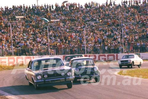 700022 - Bob Holden, Falcon XW GTHO - Oran Prak 1970 - Photographer Lance J Ruting