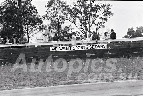 700027 - Sports Sedan Fans at Warwick Farm 22nd November 1970 - Photographer Lance J Ruting