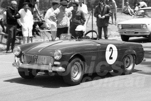 67323 - B. Nightingale, Austin Healey Sprite - Australian Hill Climb Championships Bathurst 26th November 1967 - Photographer Lance J Ruting