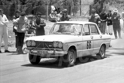 67325 - Prince Skyline GT - Australian Hill Climb Championships Bathurst 26th November 1967 - Photographer Lance J Ruting