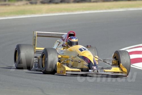 202768 - Mark Ellis, Reynard 92D - Formula Holden - Phillip Island 2002 - Photographer Marshall Cass