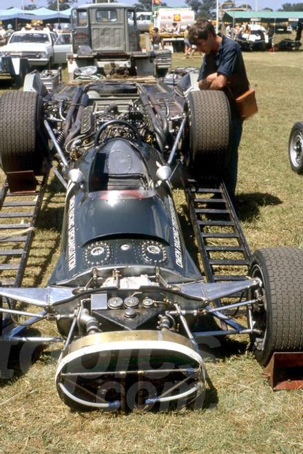 68268 - Richard Attwood BRM V12 - Warwick Farm 18th February 1968 - Photographer Lance Ruting