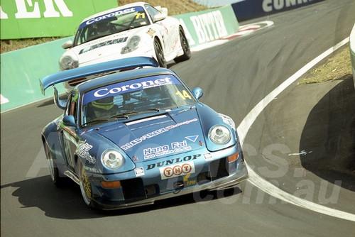 202811 - Nick Thomas - Porsche 911 RSR - Bathurst 13th October 2002 - Photographer Marshall Cass