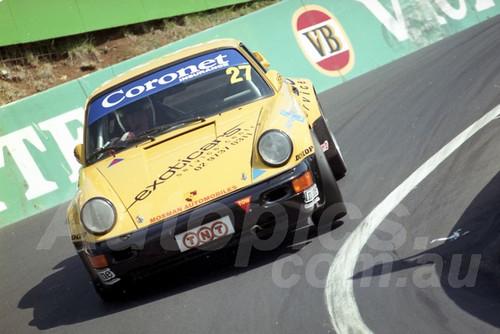202821 - Peter Coles - Porsche 911 Carrera - Bathurst 13th October 2002 - Photographer Marshall Cass
