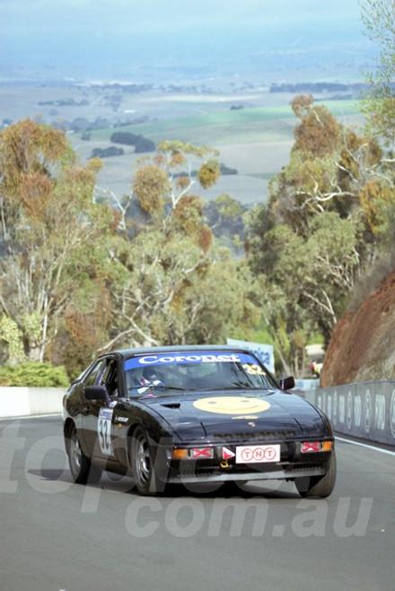 202826 - Donald Pedder - Porsche 924T  - Bathurst 13th October 2002 - Photographer Marshall Cass