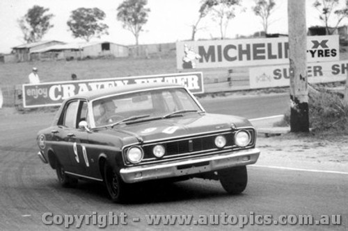 68733 - Fred Gibson / Barry Seton  Ford Falcon XT-GT - Bathurst 1968