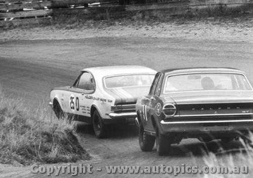 68737 - Brian Muir / GeorgeReynolds Holden Monaro GTS 327 - Fred Gibson / Barry Seton  Ford Falcon XT-GT - Bathurst 1968