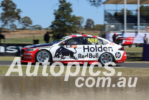 19390 - Craig Lowndes & Jamie Whincup, Holden Commodore ZB - Bathurst 1000, 2019