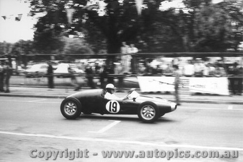 58533 - J. Roxburgh  Cooper F2 - Albert Park 1958