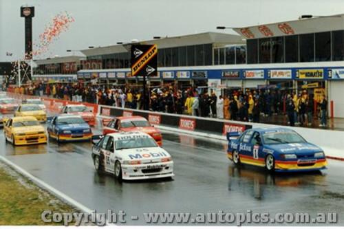 94700 - Peter Brock, Commadore and Glenn Seton, Ford Falcon - Start Bathurst 1994
