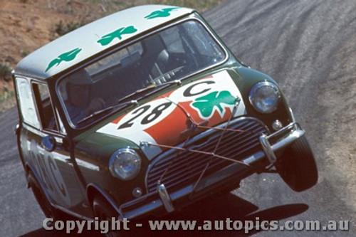 67737 - Paddy Hopkirk / Brian Foley - Morris Cooper S - Bathurst 1967