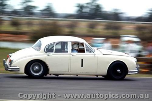 64032 - B. Jane Jaguar3.8 MK 2 -  Warwick Farm 1964 - Photographer Richard Austin