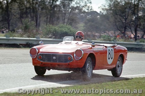 65448 - N. Riley Honda S600  -  Warwick Farm May 1965 - Photographer Richard Austin