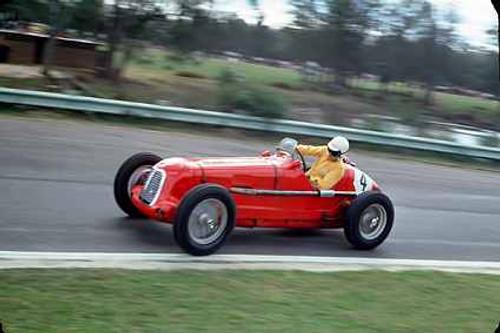 65802 - R. Sach - 1934 Maserati 4C S/C  - Warwick Farm May 1965 - Photographer Richard Austin
