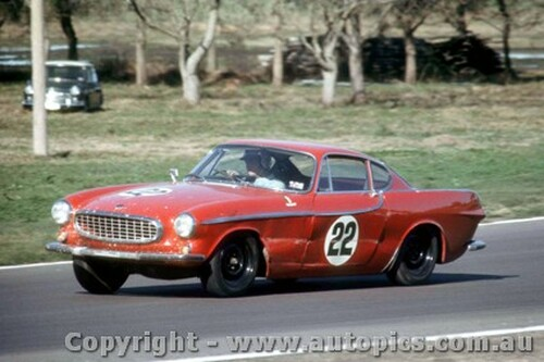 66439 - D. McKay / W. Brown Volvo P1800 - Rothmans 12 Hour Sports Car Race - Surfers Paradise 1966 - Photographer John Stanley