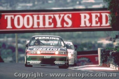 93729  -  L. Perkins / G. Hansford  -  Bathurst 1993 - 1st Outright - Holden Commodore VP