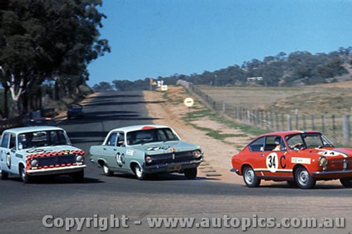 67739  - David Bye / Lyn Brown Fiat 850 - Herb Taylor / Don Smith Holden X2 - Bill Daly / George Murray Fiat 124 -  Bathurst  1967