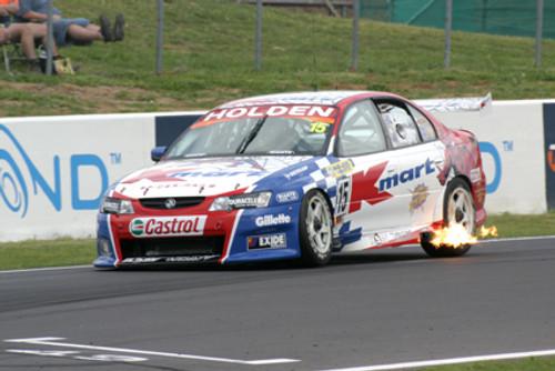 204701 - Greg Murphy / Rick Kelly - Holden Commodore - Ist Outright Bathurst 2004 - Photographer Craig Clifford