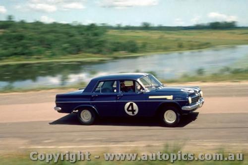 64040 - Norm Beechey Holden  EH S4  -  Lakeside  1964 - Photographer John Stanley
