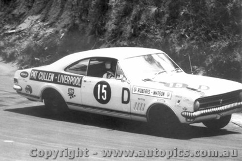 68745 - Tony Roberts / Bob Watson  Holden Monaro GTS 327 - Bathurst 1968