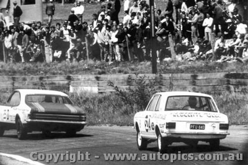 68748 - Lionel Ayres / Max Volkers Ford Cortina 220  1300cc - Bathurst 1968