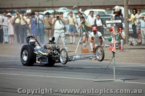 66911 -  Ron Colson USA - Chev AA / Gas Dragster  Stiletto   - Surfers Paradise 1966  - Photographer John Stanley