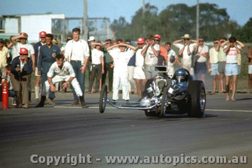 66915 - Bob Keith USA 427 Chev AA/Gas Dragster - Surfers Paradise 1966 - Photographer John Stanley