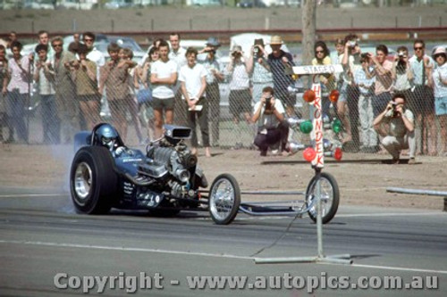 66916 -  Bob Keith USA 427 Chev AA/Gas Dragster - Surfers Paradise 1966 - Photographer John Stanley