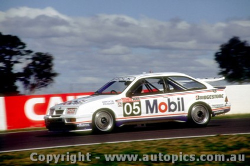 89768 - P. Brock / A. Rouse - Bathurst 1989 - Ford Sierra RS500