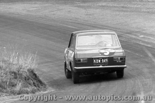 68750 - Dick Sorensen / Bevan Gibson Datsun 1000  - Bathurst 1968