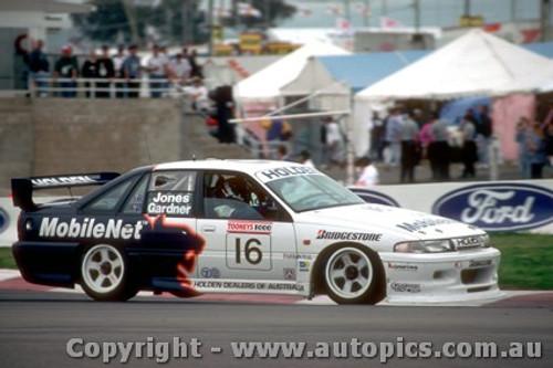 93733  -  Jones / Gardner  -  Bathurst 1993  - HRT  Holden Commodore VP