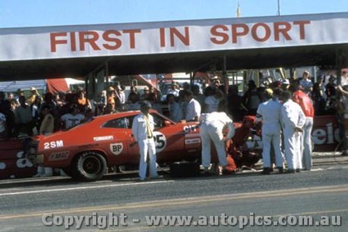 75780 - Allan Moffat - Ford Falcon - Bathurst 1975
