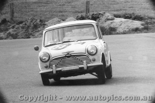 66728  -  Schneider / Wright  -  Morris Mini Deluxe - Bathurst 1966