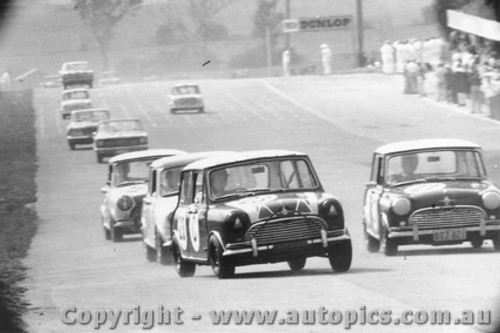 66733  -  Harvey / French  -  Mander / Davis - Morris Cooper S - Bathurst 1966