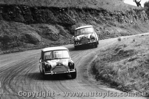 66737  -  R. Aaltonen/ Bob Holden - Hopkirk / Foley - Morris Cooper S - Bathurst 1966