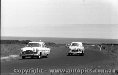 61001 - L. Brennan Zephyr / R. Gilchrist Morris Major -  Phillip Island 30/1/1961 - Photographer Peter D Abbs