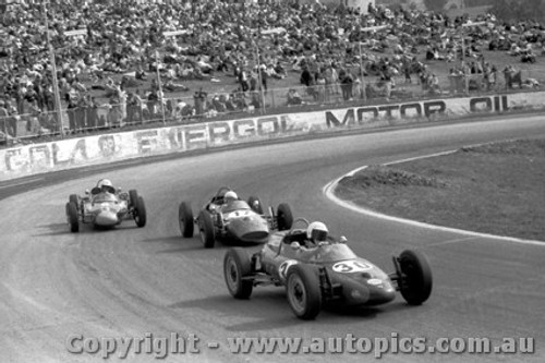 70554 - G. Mackie Elfin Formula Vee / G. Murphy Mako Vee / H. Revell  - Oran Park 7/12/1970