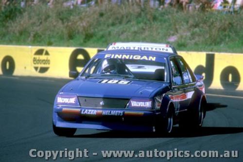 83006 - T. Finnigan   Holden Commodore VH - Amaroo Park 1983