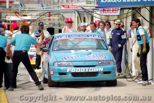 91750 - T. Finnigan / G. Leeds  Holden Commodore VN - Bathurst 1991