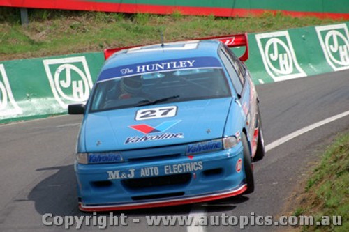 93734 - T. Finnigan / G. Rogers  Holden Commodore VP - Bathurst 1993
