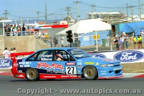 94729 - T. Finnigan / S. Williams  Holden Commodore VP - Bathurst 1994