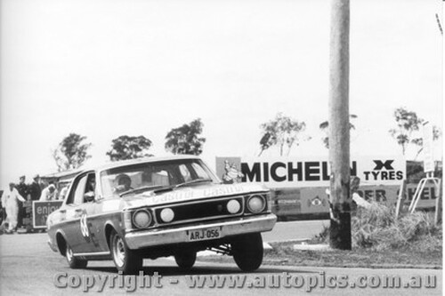 69747 - C. Smith / W. Ford  -  XW  Ford Falcon GTHO Auto - Bathurst 1969