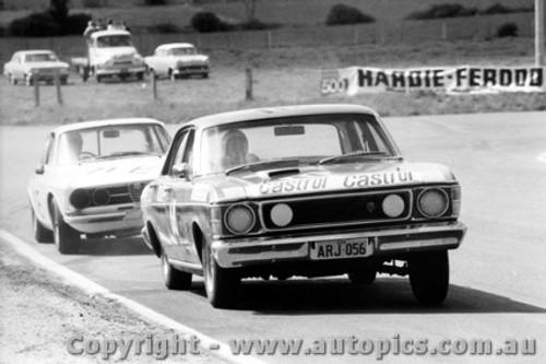 69748 - C. Smith / W. Ford  -  XW  Ford Falcon GTHO Auto  - K. Bartlett / L. Goodwin Alfa Romeo 1750 GTV - Bathurst 1969
