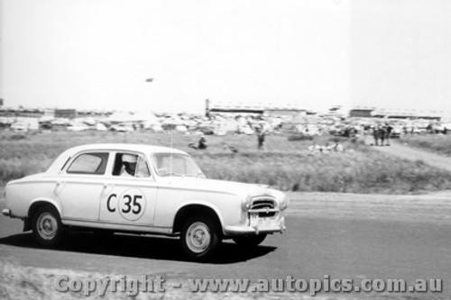 60727 - R. Holden / K. Brigden - Peugeot 403 - Armstrong 500 Phillip Island 1960