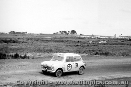 62733 - A. Reynolds / A. Humphries / F. McEncroe  - Morris 850 Sports - Armstrong 500 - Phillip Island 1962