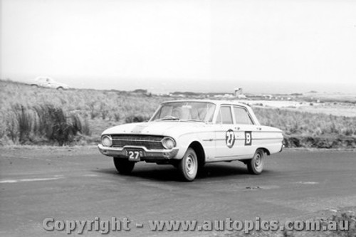 62736 -  K. Lott / T. Roddy / B. Devlin - Ford Falcon Pursuit XL - Armstrong 500 - Phillip Island 1962